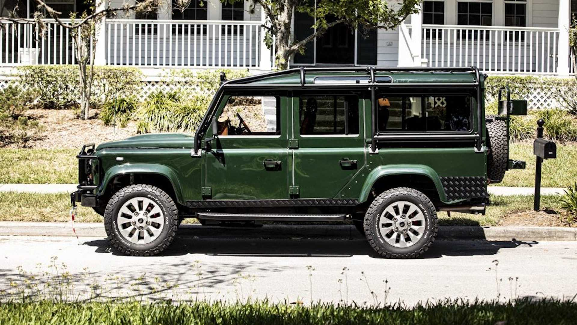 custom-land-rover-defender-with-ls3-engine-5