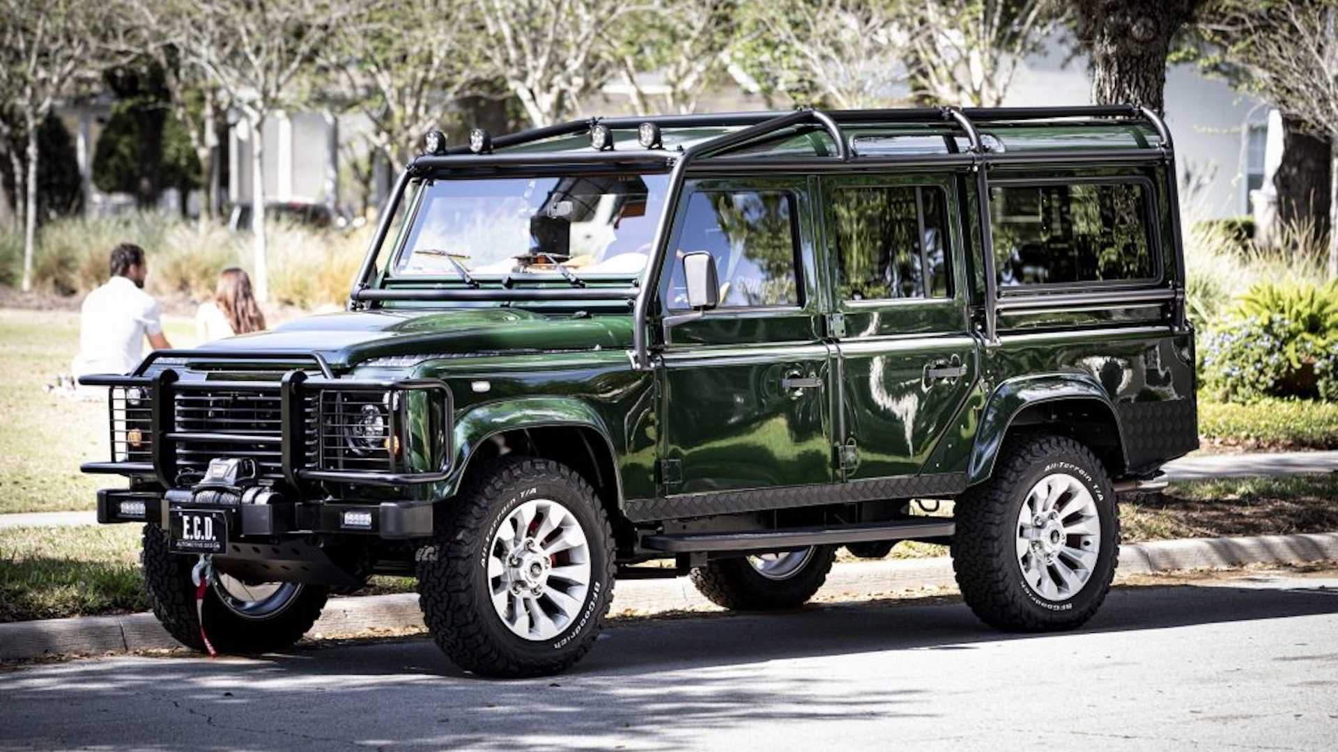 custom-land-rover-defender-with-ls3-engine-7