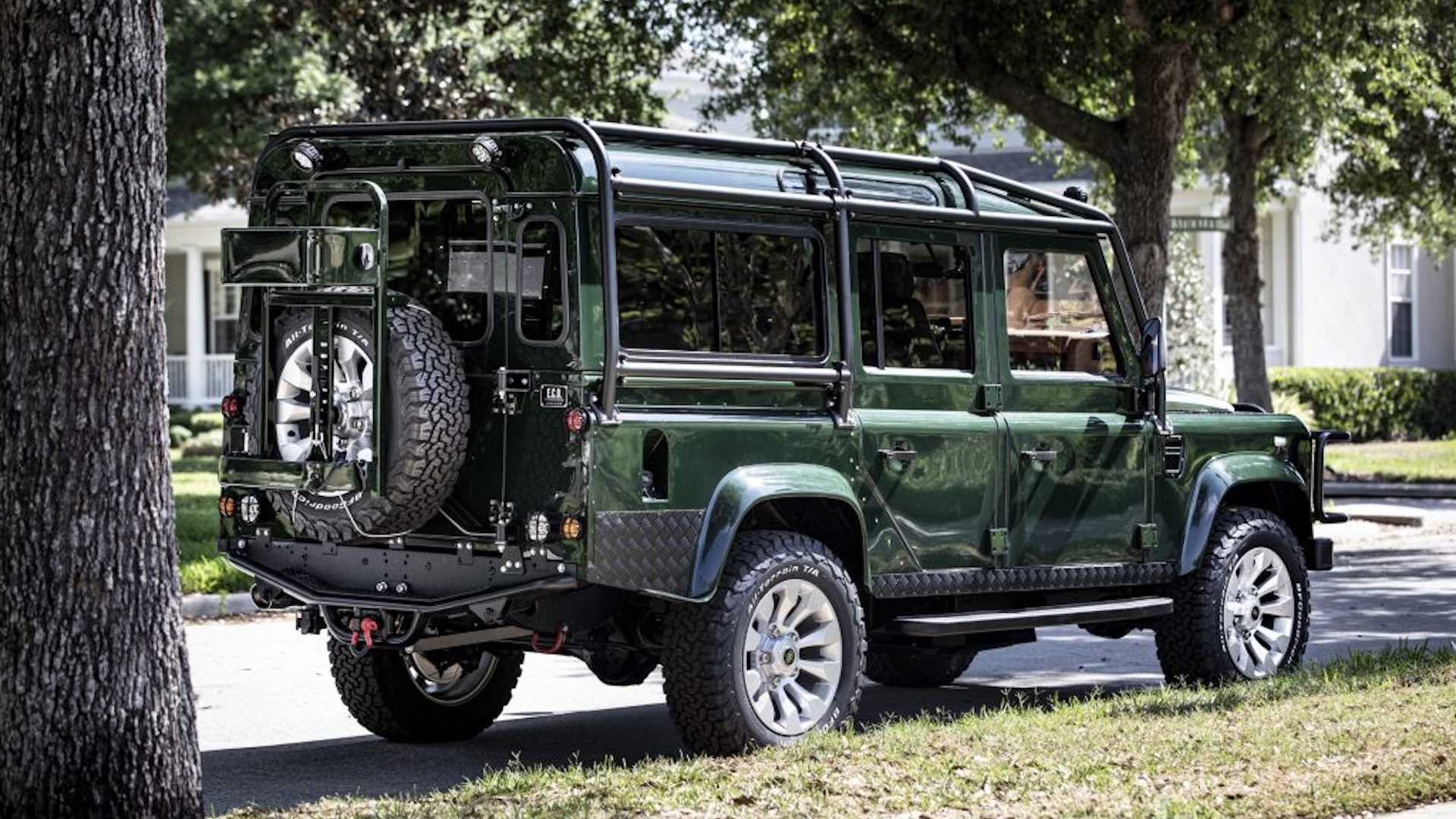 custom-land-rover-defender-with-ls3-engine