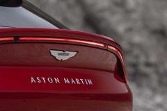 aston-martin-dbx-13