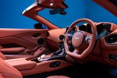 2021-aston-martin-vantage-roadster-11