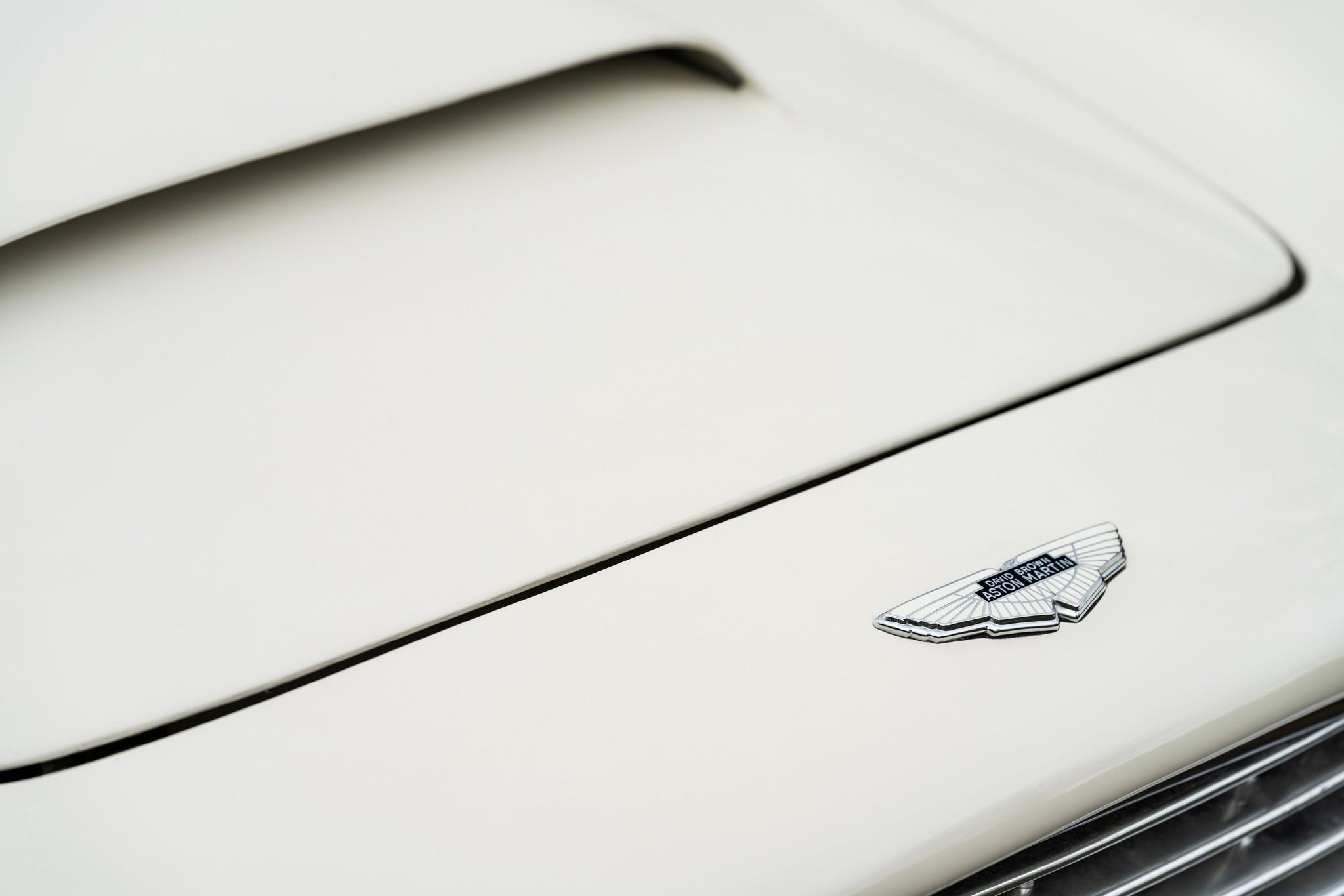 Am Works Heritage EV DB6 Volante (9)