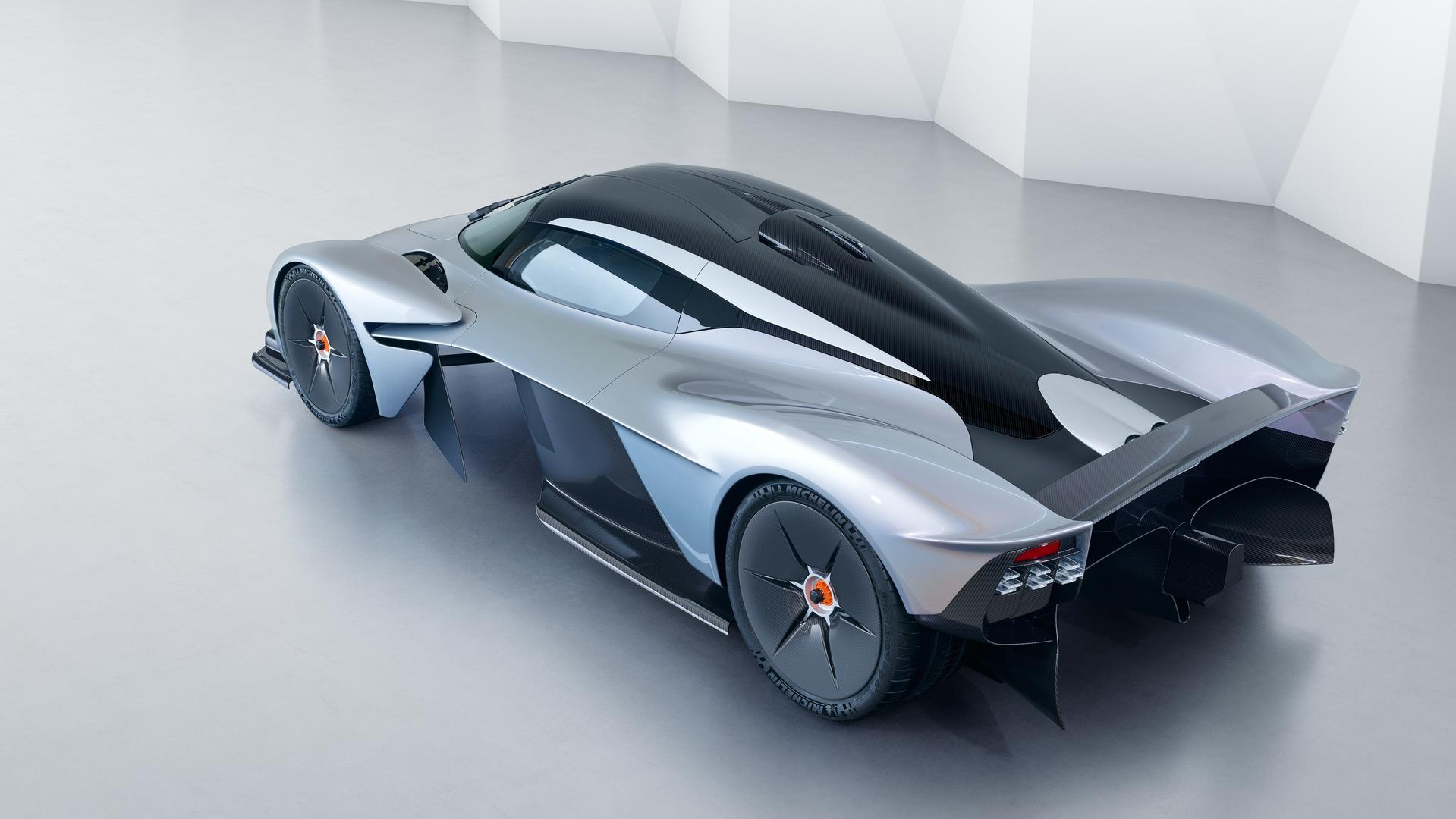 aston-martin-valkyrie-with-near-production-body (8)
