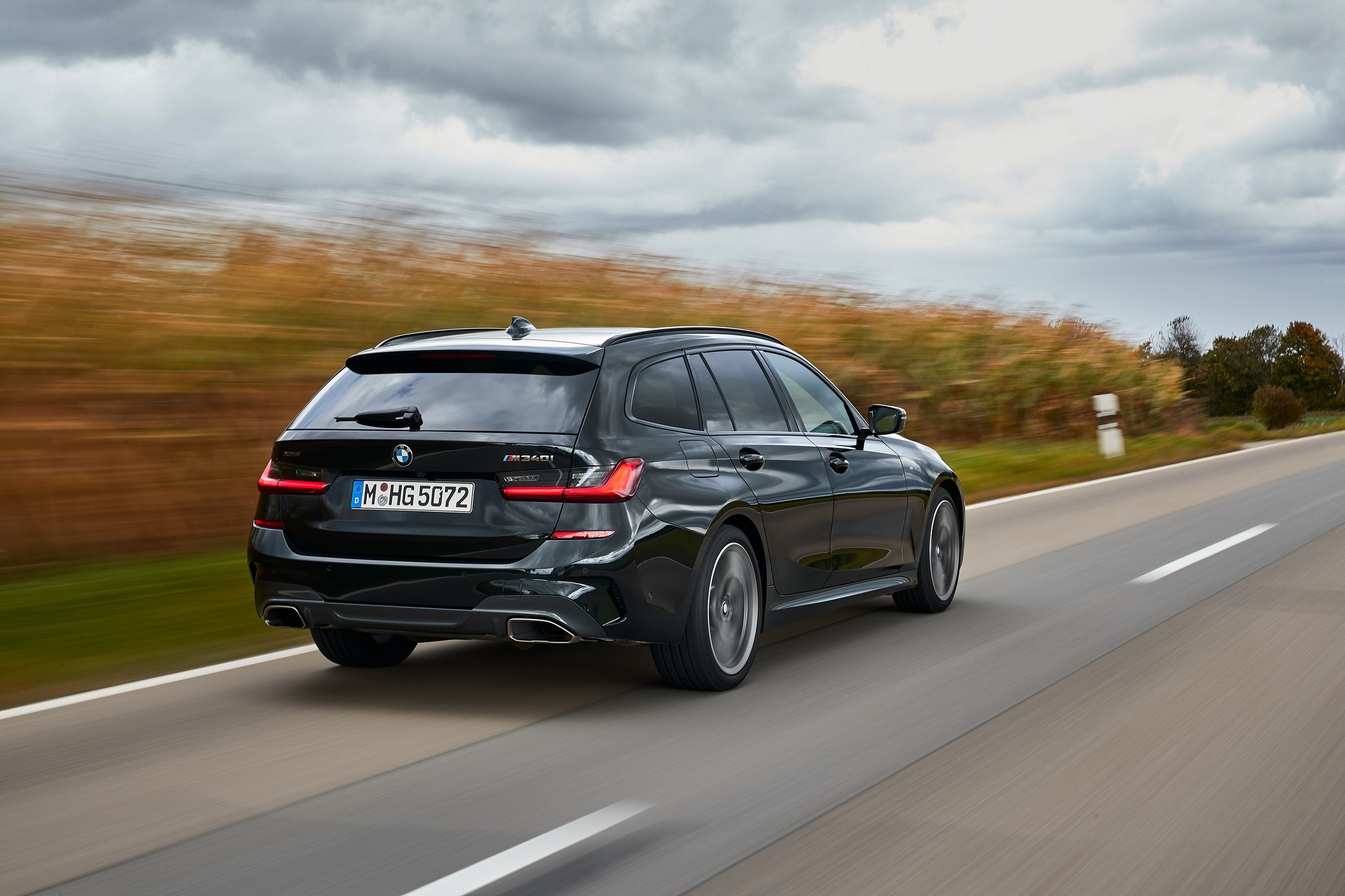 P90373315_highRes_the-new-bmw-m340i-xd