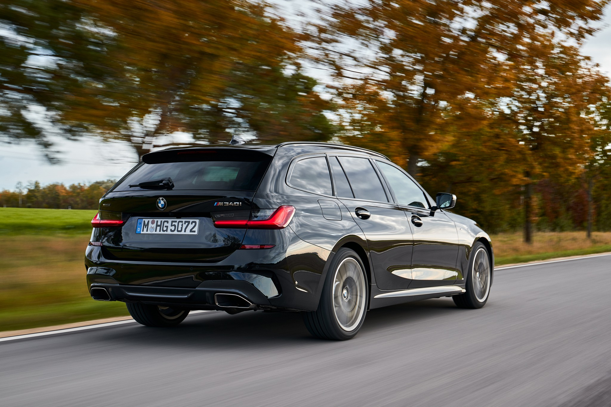 P90373322_highRes_the-new-bmw-m340i-xd