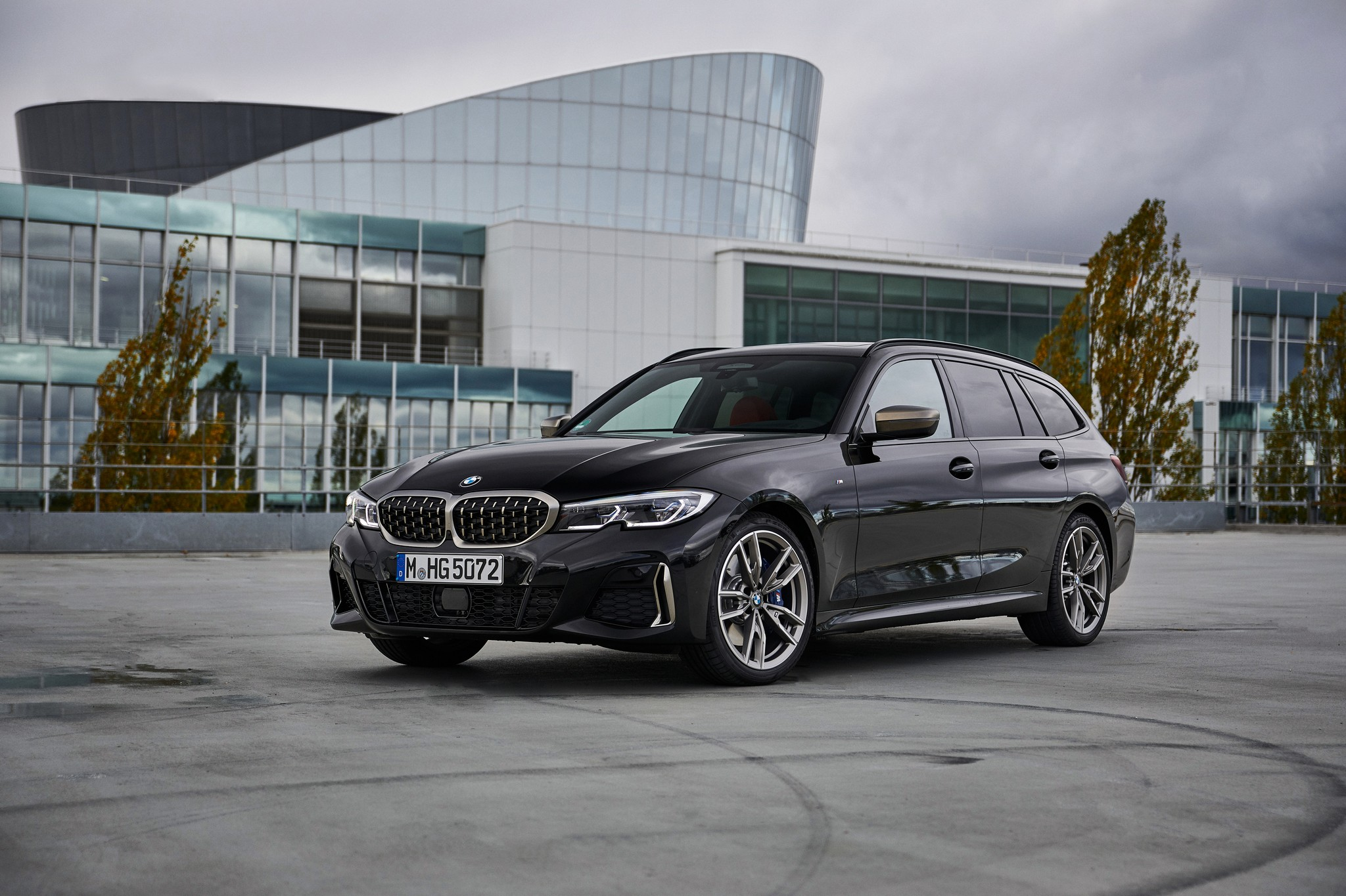 P90373329_highRes_the-new-bmw-m340i-xd