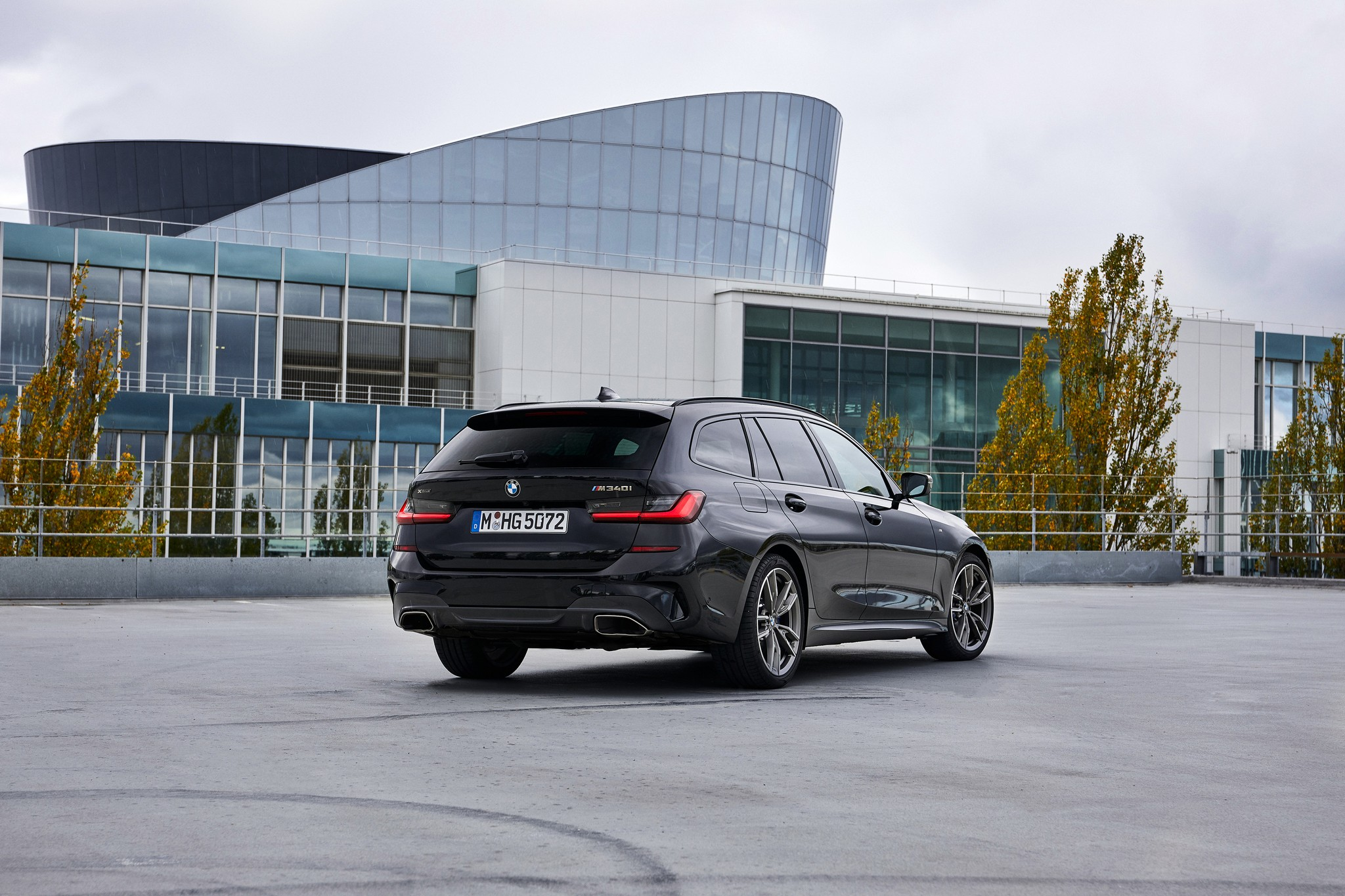 P90373330_highRes_the-new-bmw-m340i-xd