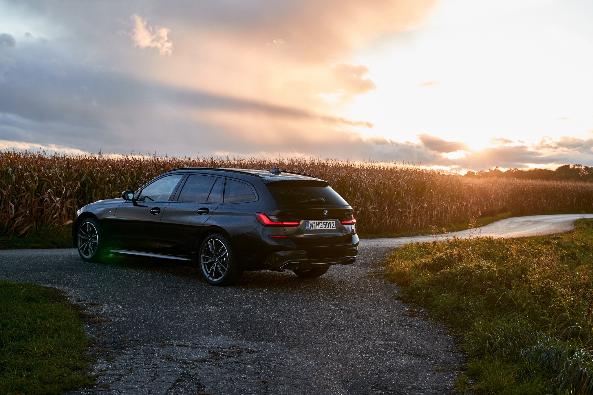 P90373342_highRes_the-new-bmw-m340i-xd