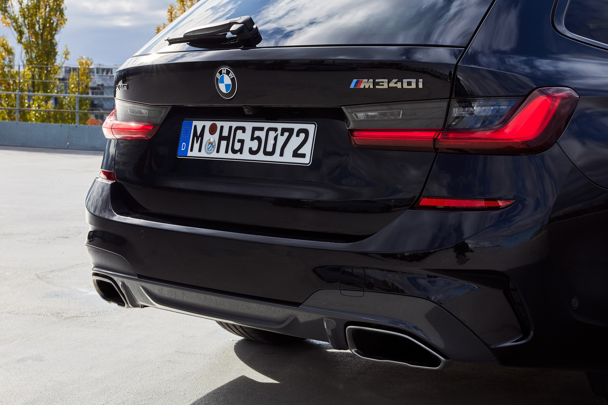 P90373347_highRes_the-new-bmw-m340i-xd