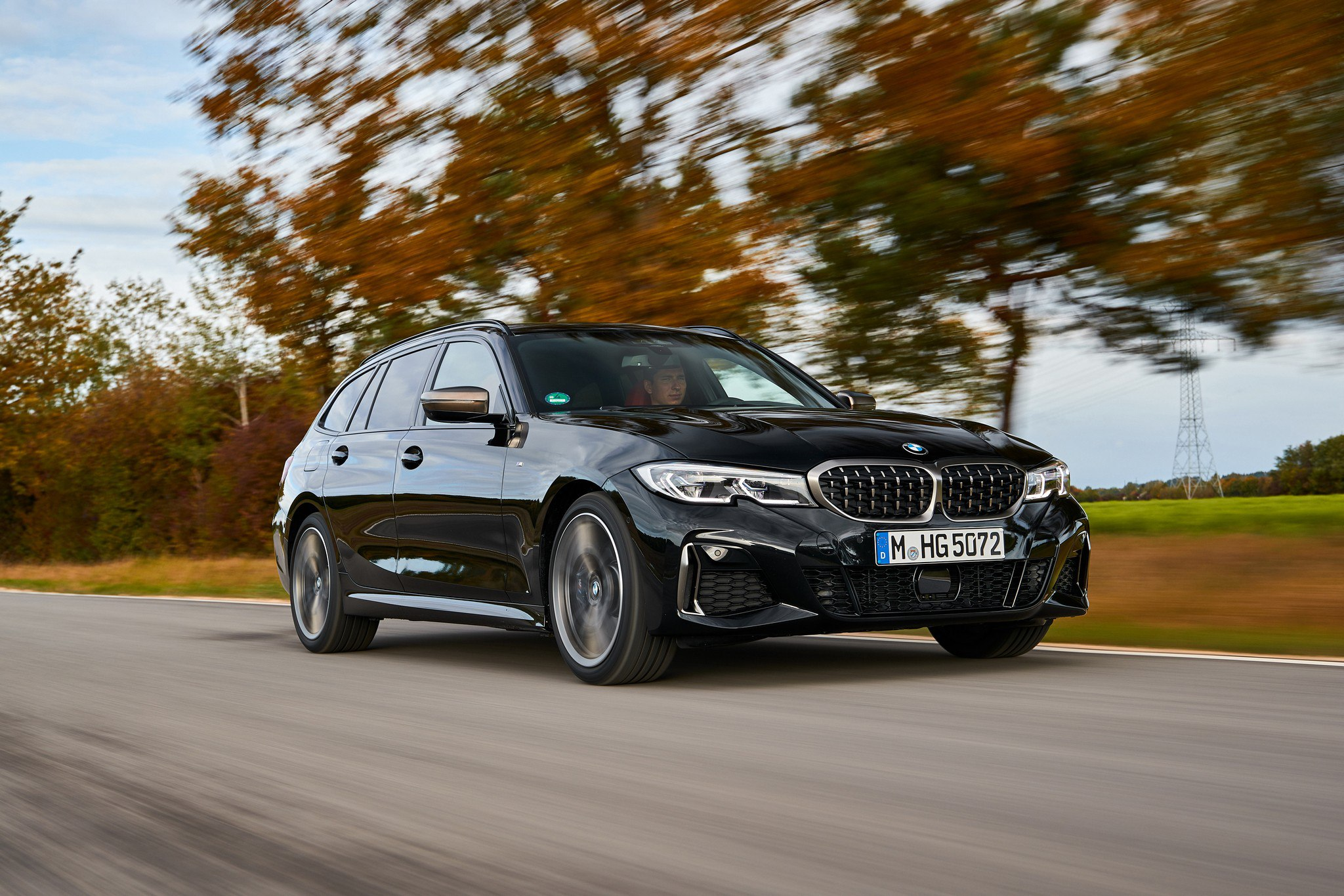 P90373320_highRes_the-new-bmw-m340i-xd