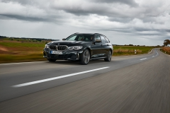 P90373312_highRes_the-new-bmw-m340i-xd
