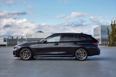 P90373335_highRes_the-new-bmw-m340i-xd
