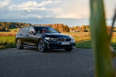 P90373339_highRes_the-new-bmw-m340i-xd