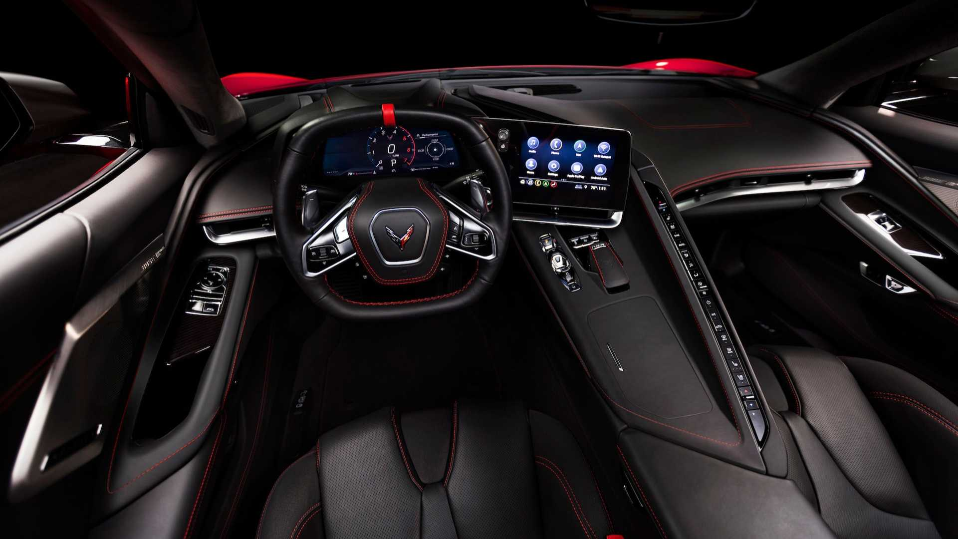 2020-chevrolet-corvette-stingray-interior