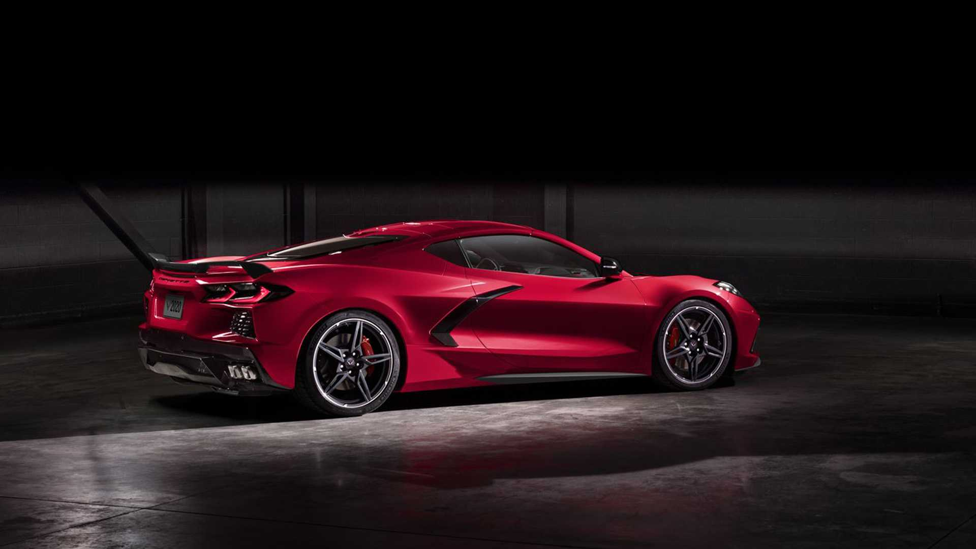 2020-corvette-stingray-leaked-photos