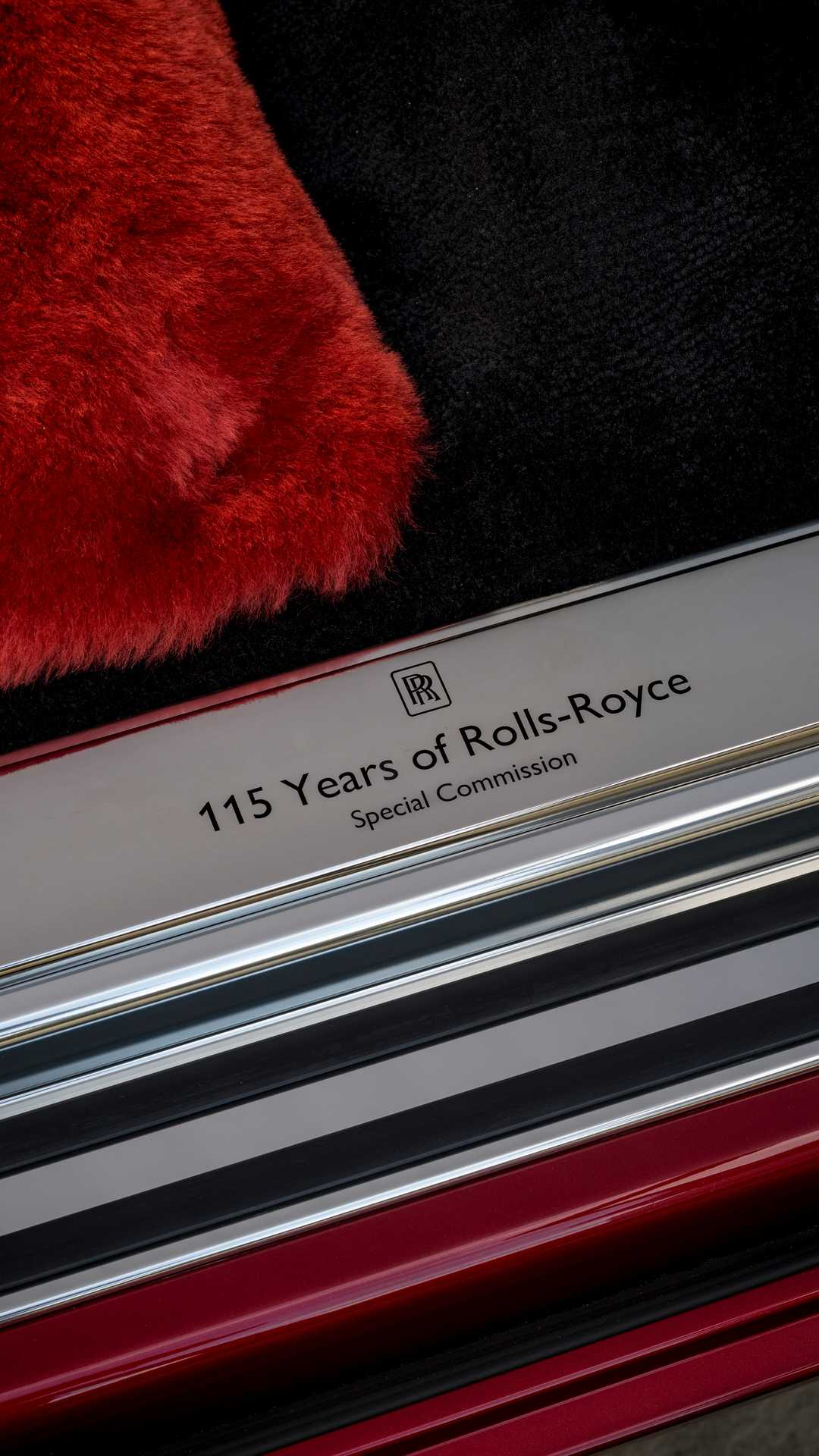 rolls-royce-red-phantom-8