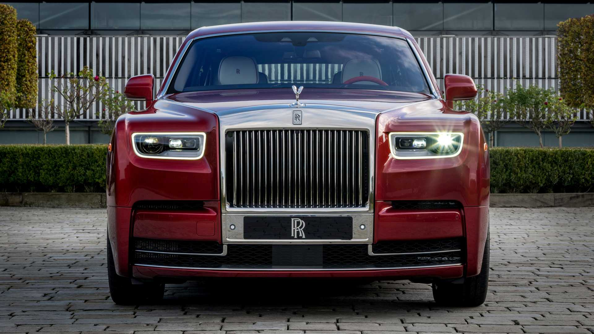 rolls-royce-red-phantom
