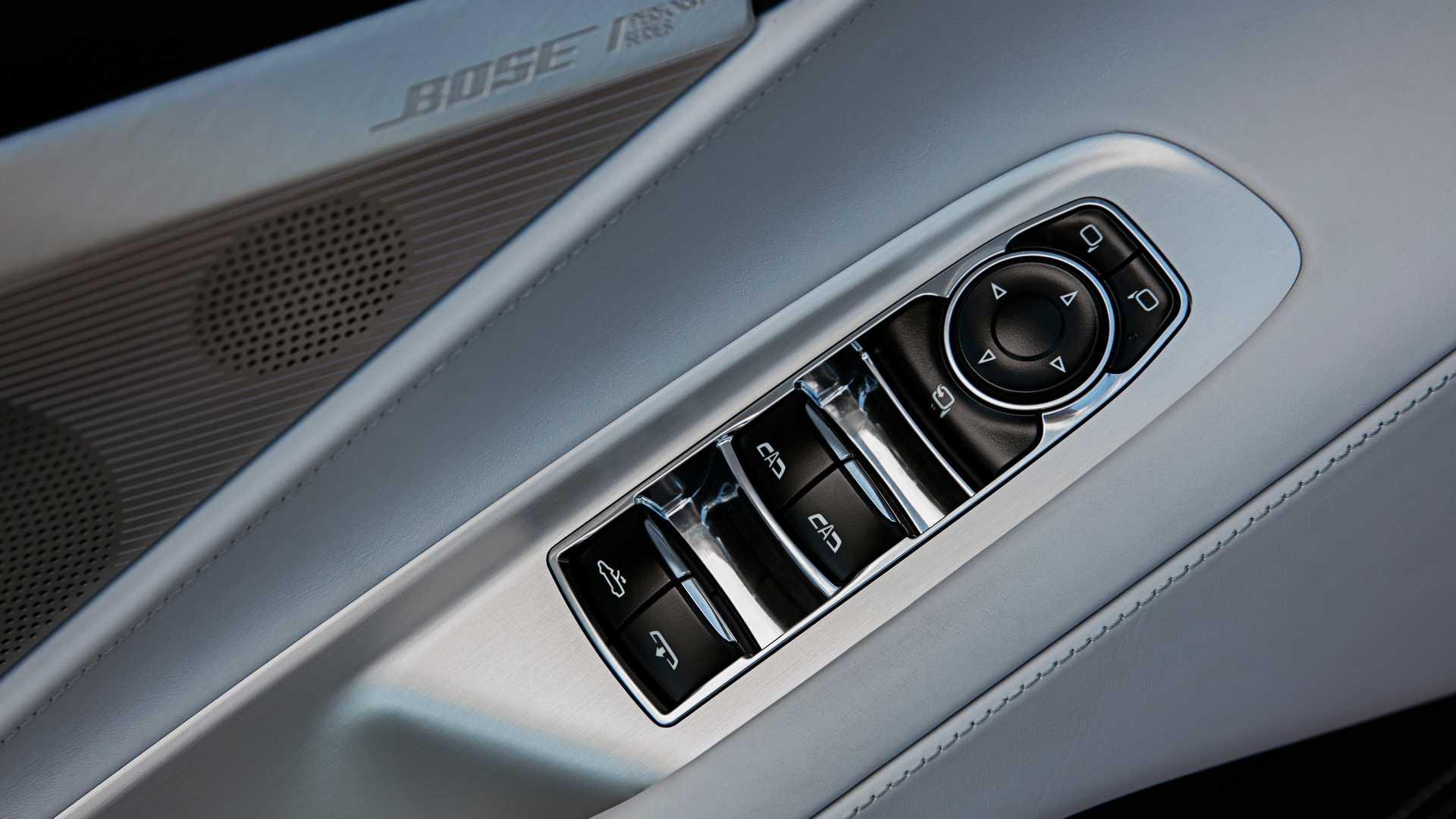 2020-chevrolet-corvette-convertible-5