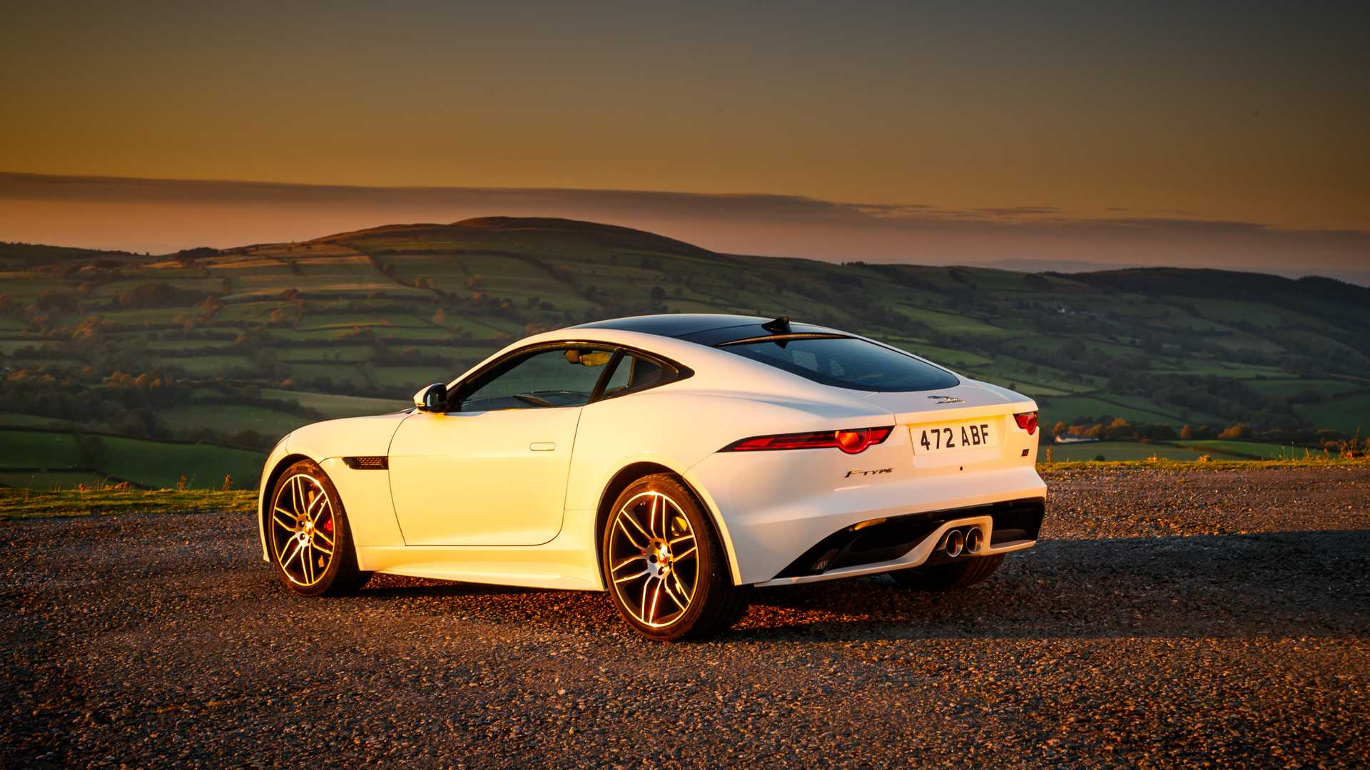2020-jaguar-f-type-checkered-flag-edition (1)