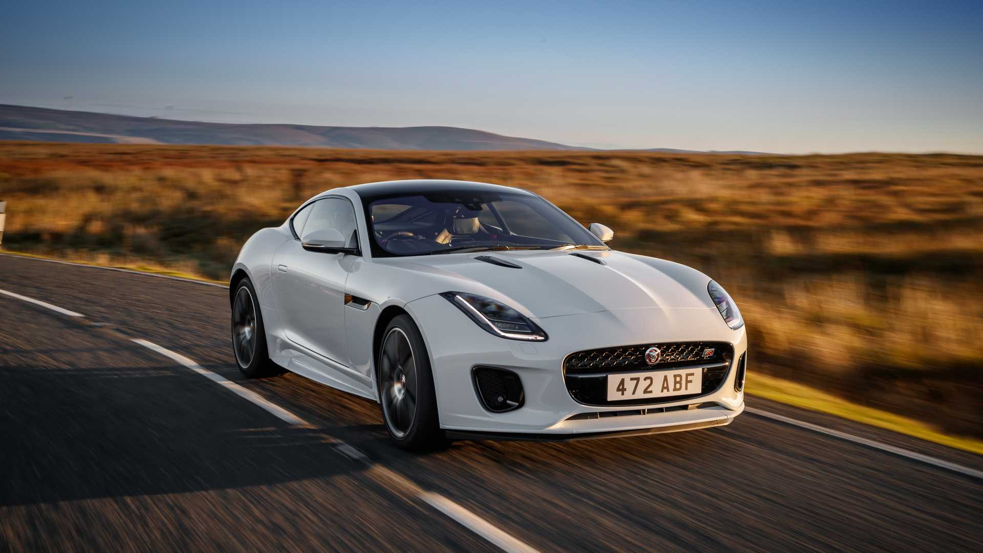 2020-jaguar-f-type-checkered-flag-edition (4)