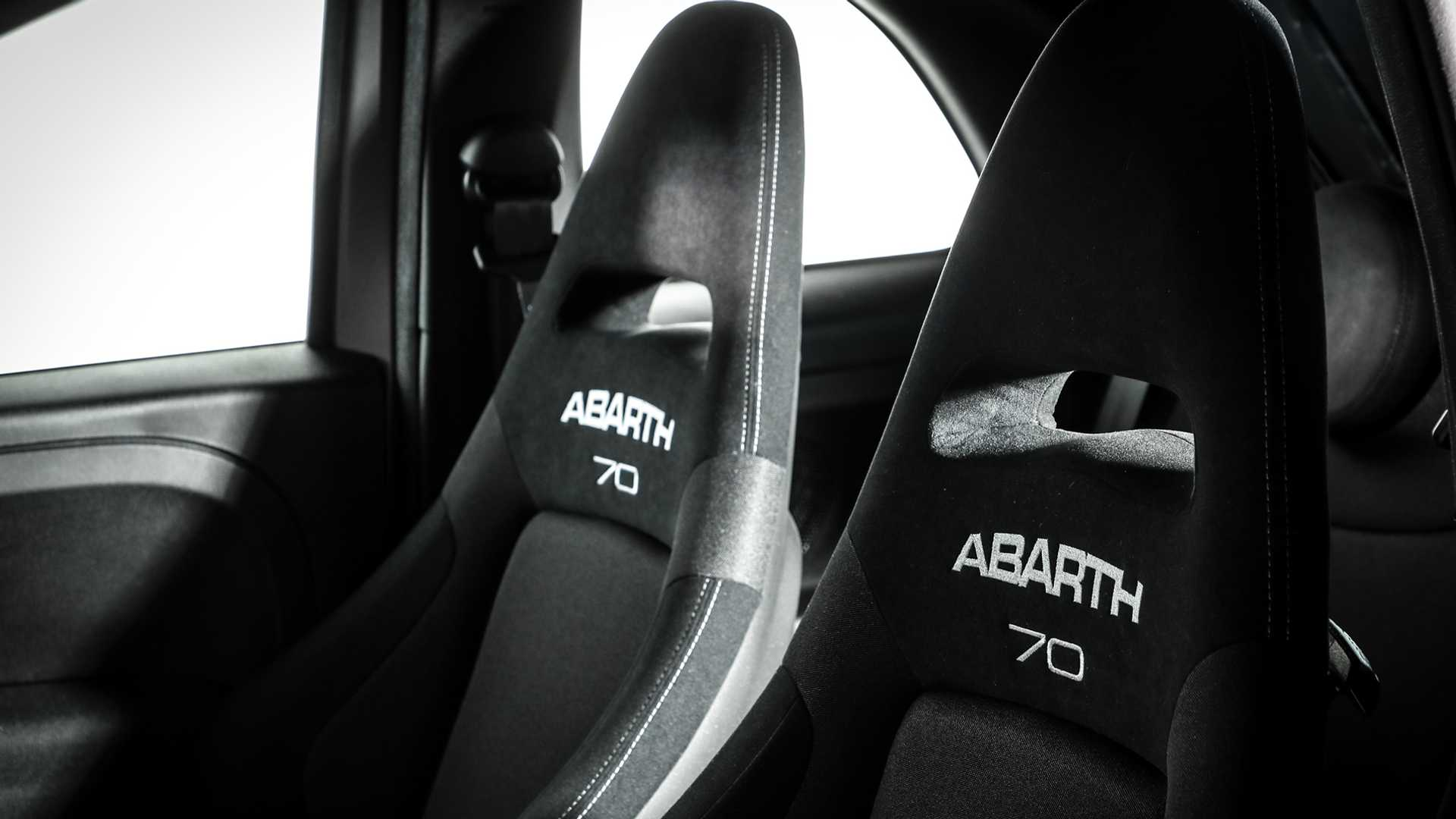 2019-abarth-595-pista-4