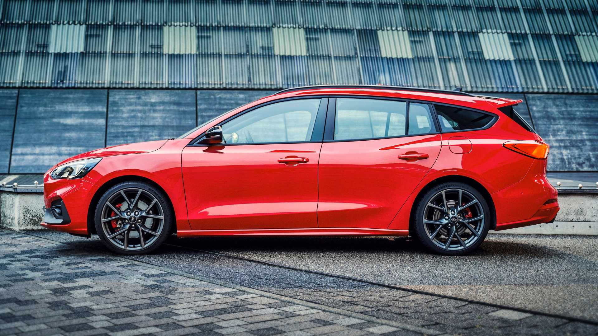 2019-ford-focus-st-wagon-6