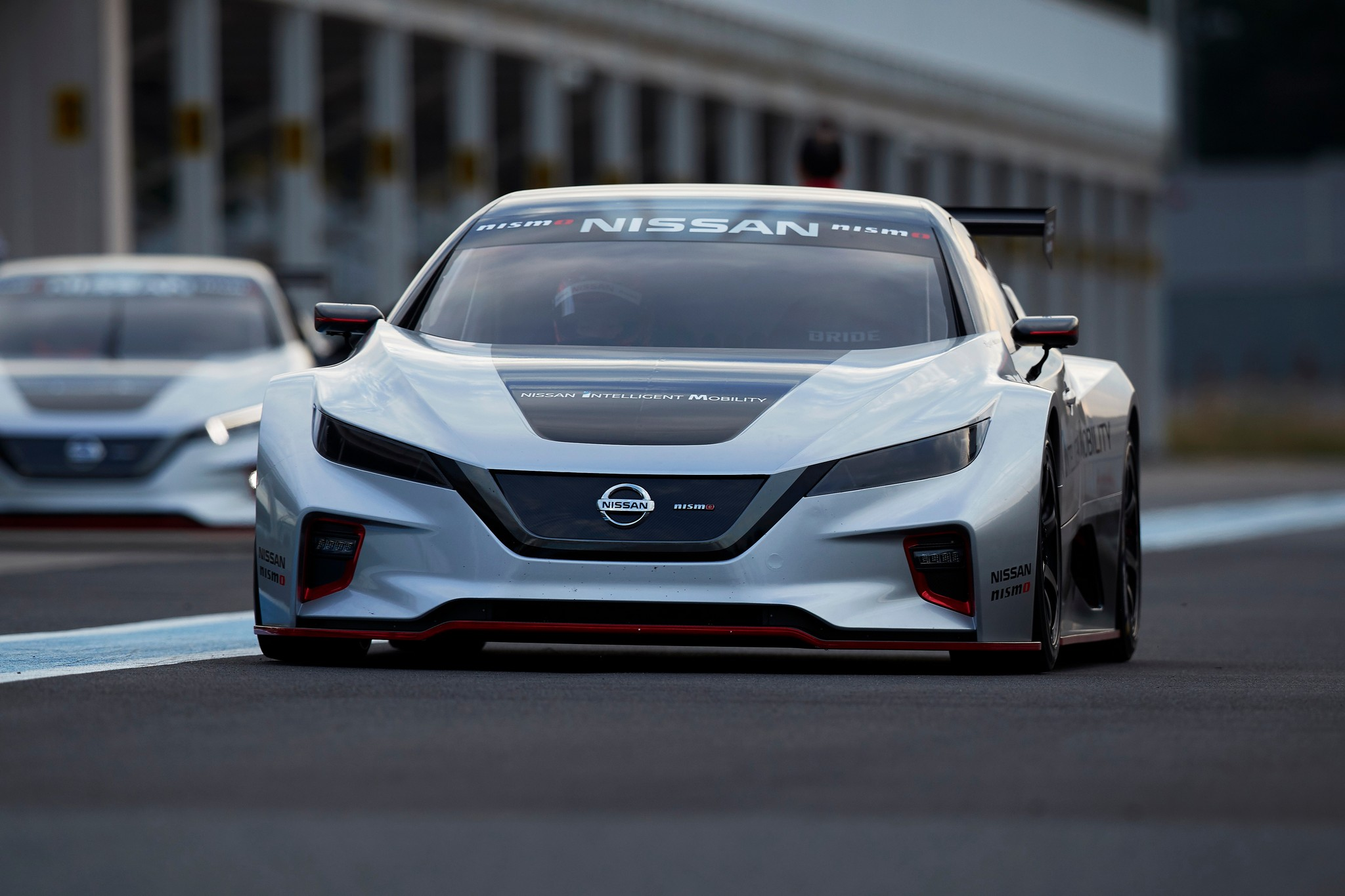 2018 LEAF NISMO RC track 20-source