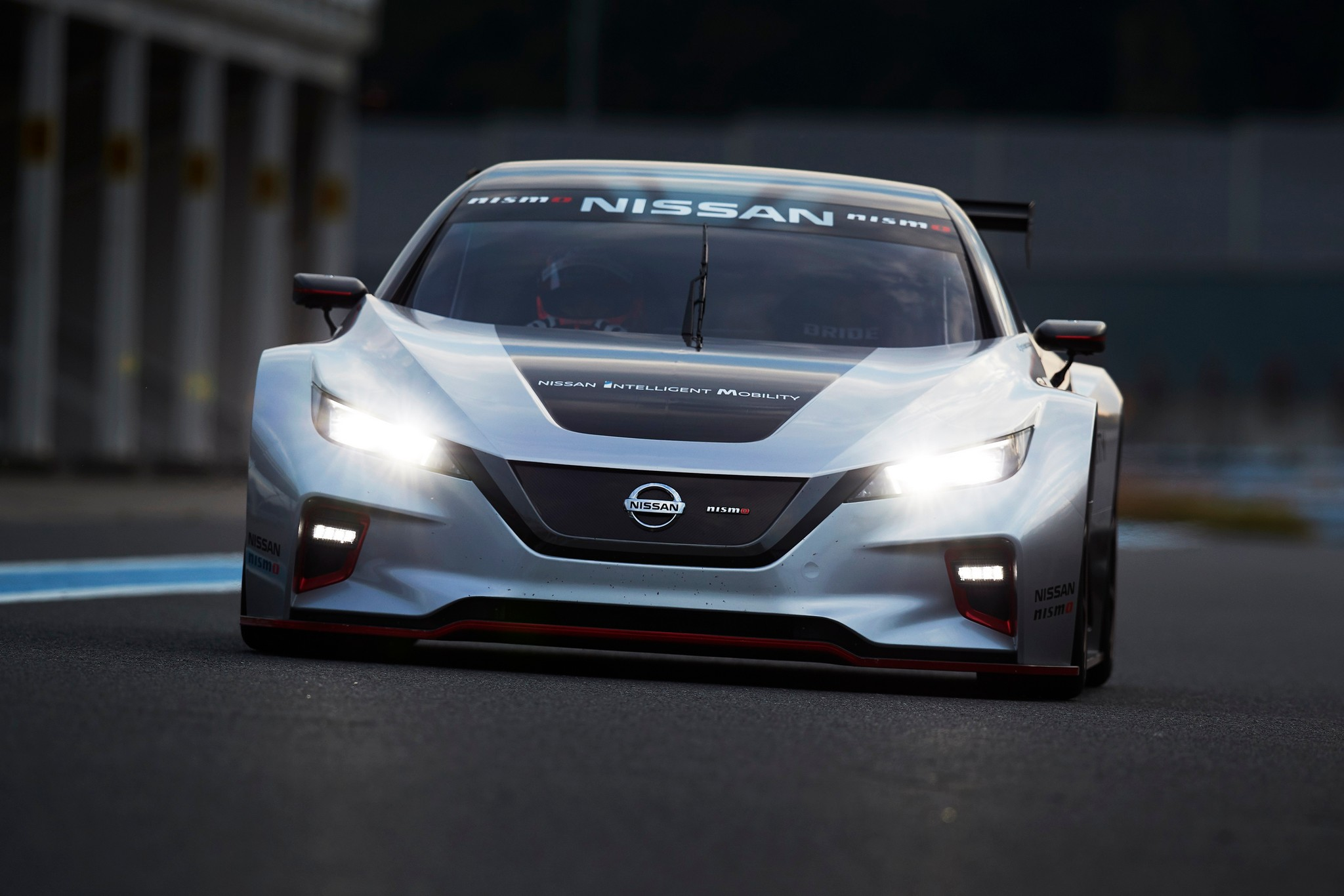 2018 LEAF NISMO RC track 21-source