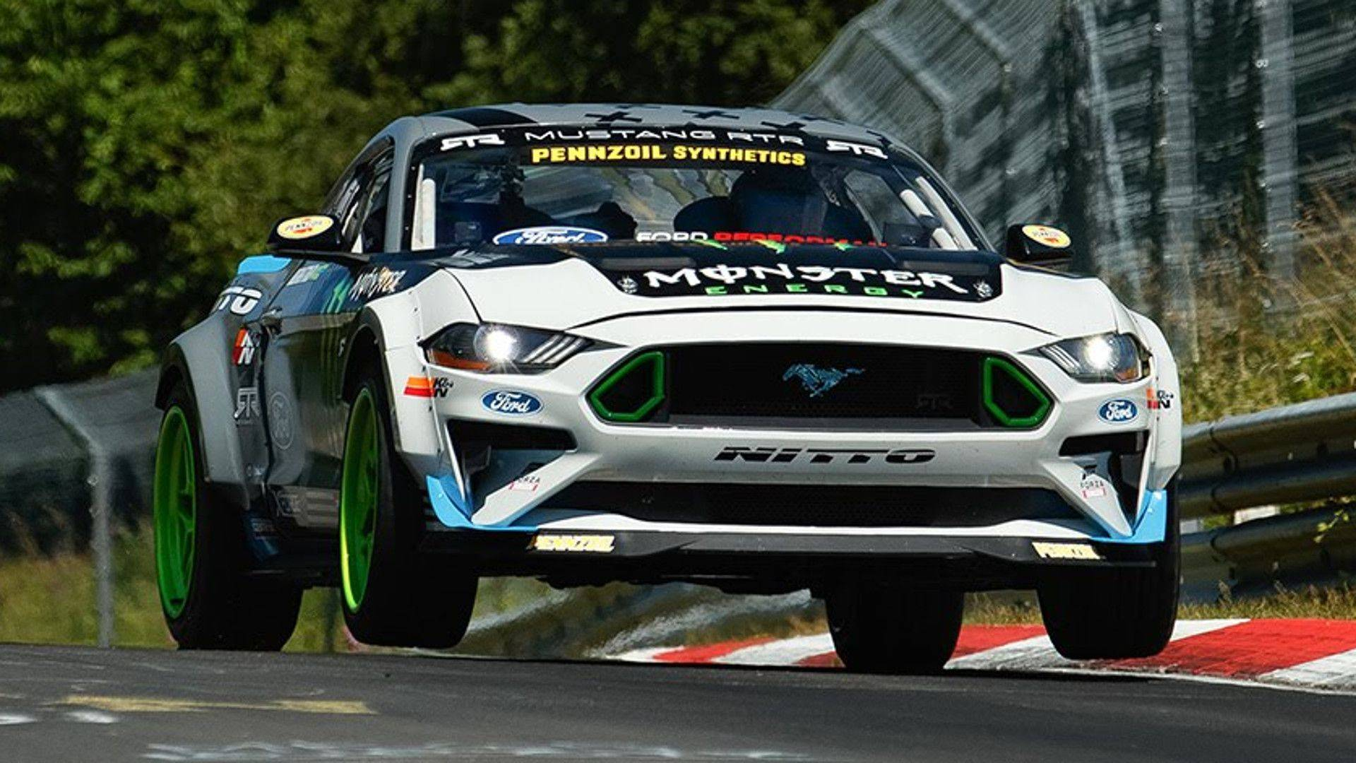 ford-mustang-vaughn-gittin-jr-nurburgring-drift (1)