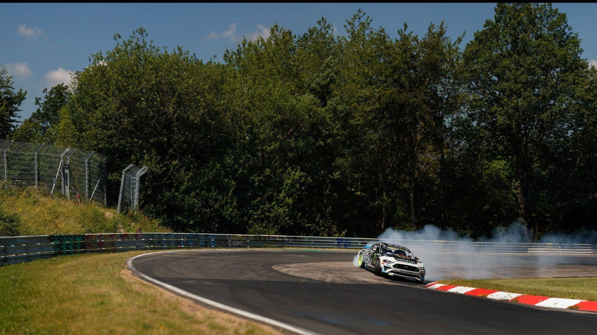 ford-mustang-vaughn-gittin-jr-nurburgring-drift (2)
