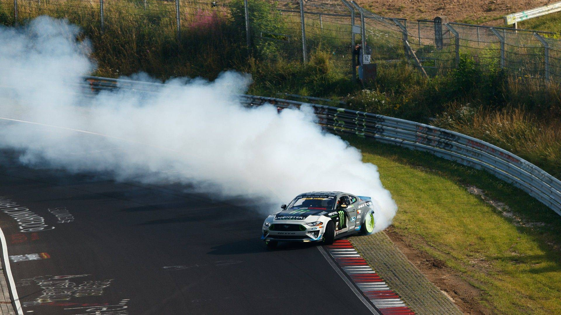ford-mustang-vaughn-gittin-jr-nurburgring-drift (3)