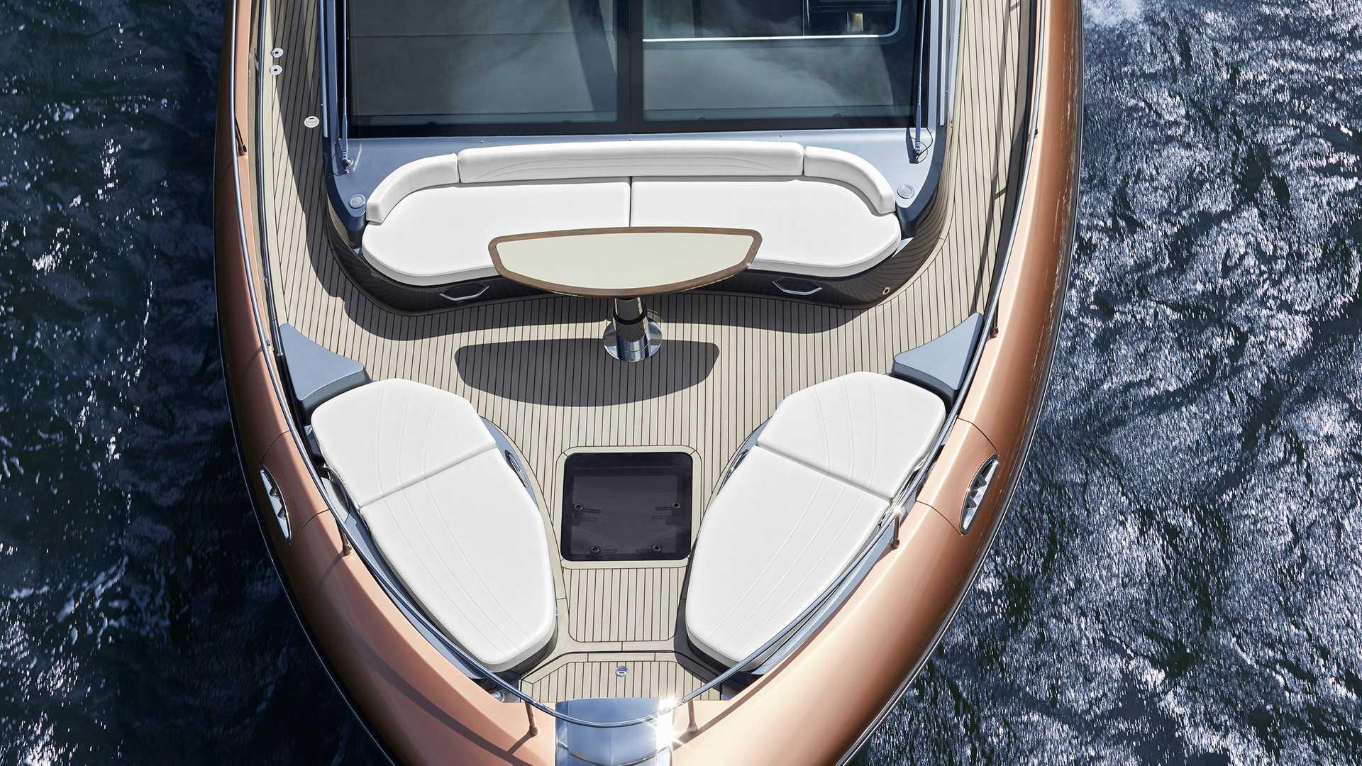 lexus-ly-650-yacht-11