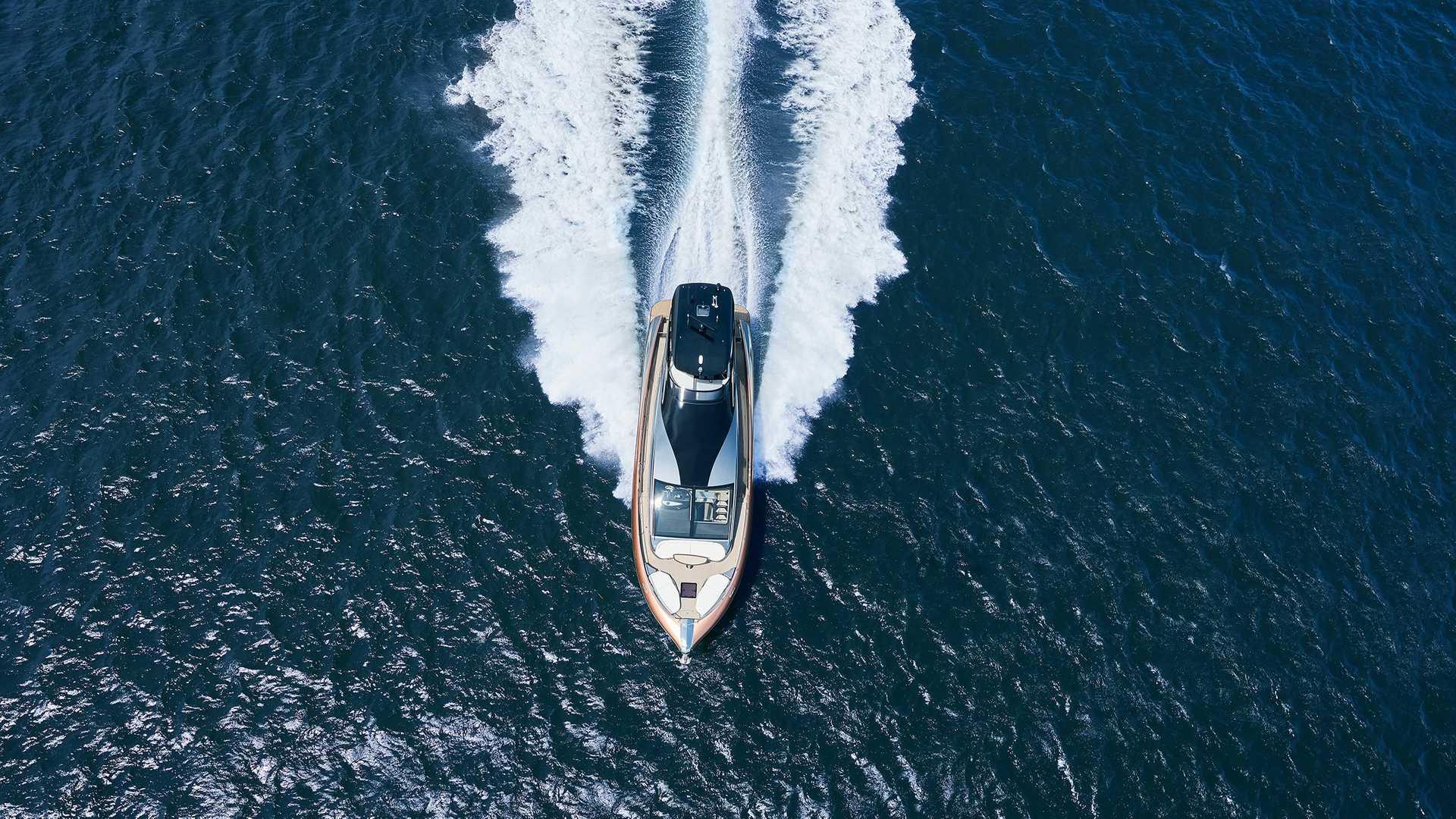 lexus-ly-650-yacht-7