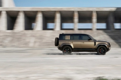 land-rover-defender-2020my-12