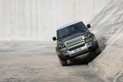 land-rover-defender-2020my-17