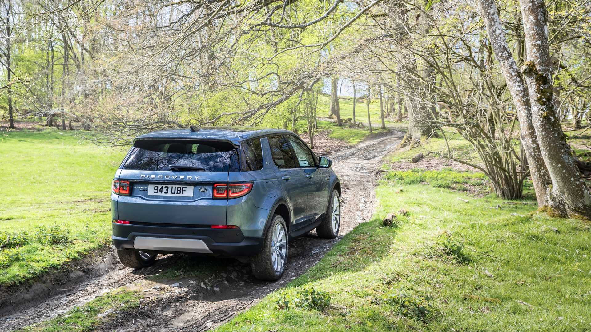 2020-land-rover-discovery-sport-38