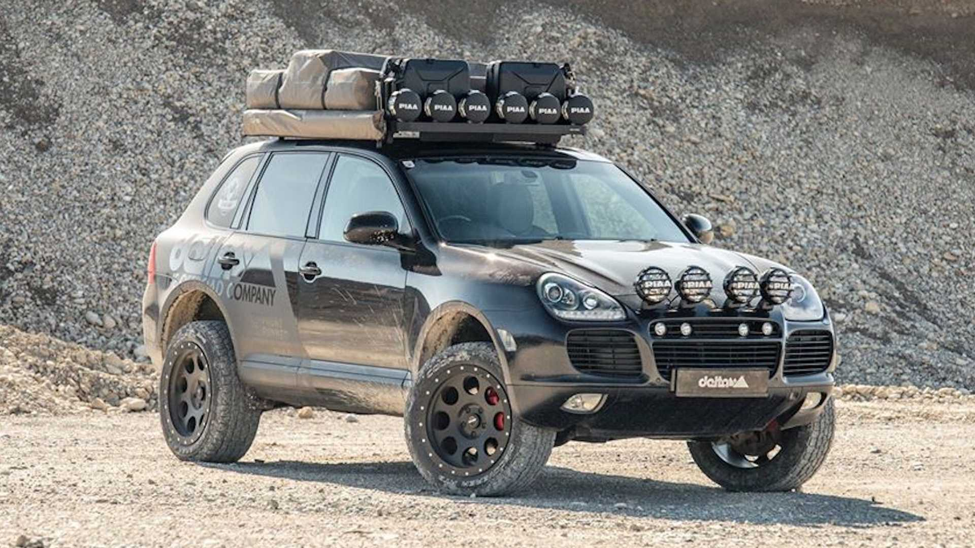 lifted-porsche-cayenne-with-piaa-rally-lights-1