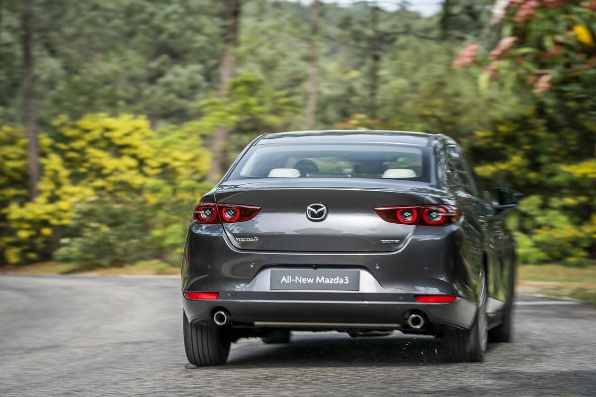 Mazda-3-sedan-Skyactive-G-04