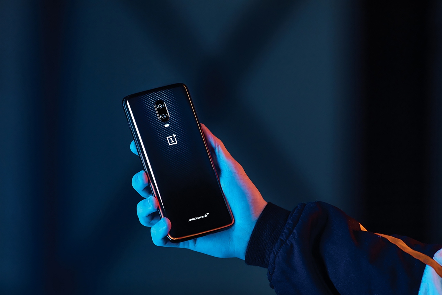 Small-10037-OnePlus6TMcLarenEditionphone