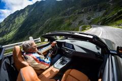 P90368675_highRes_driving-legends-joch