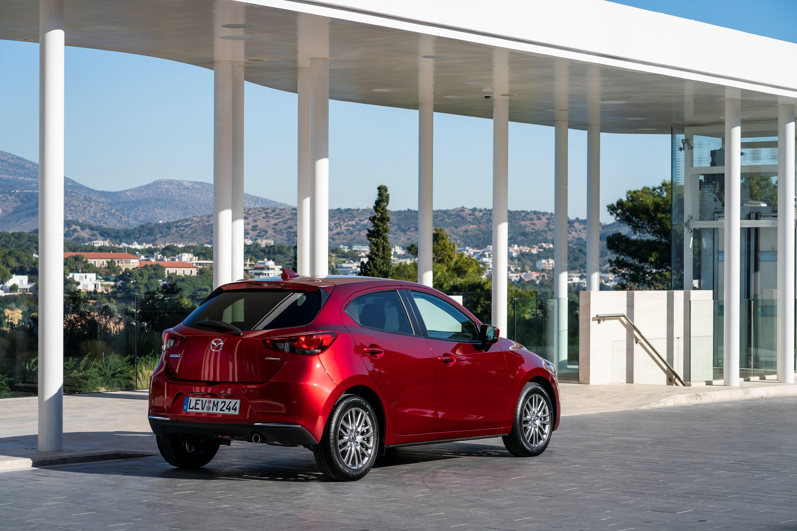 2020-Mazda2_Soul-Red-Crystal_Still_55