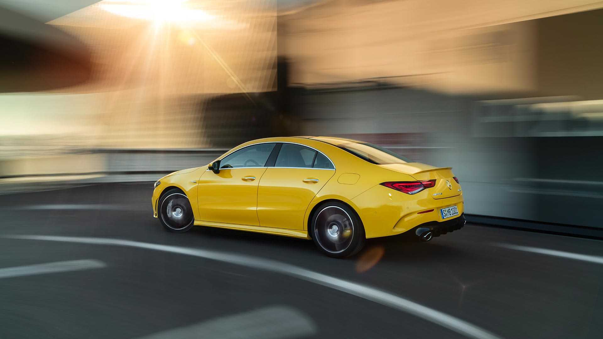 2020-mercedes-amg-cla-35-coupe (1)
