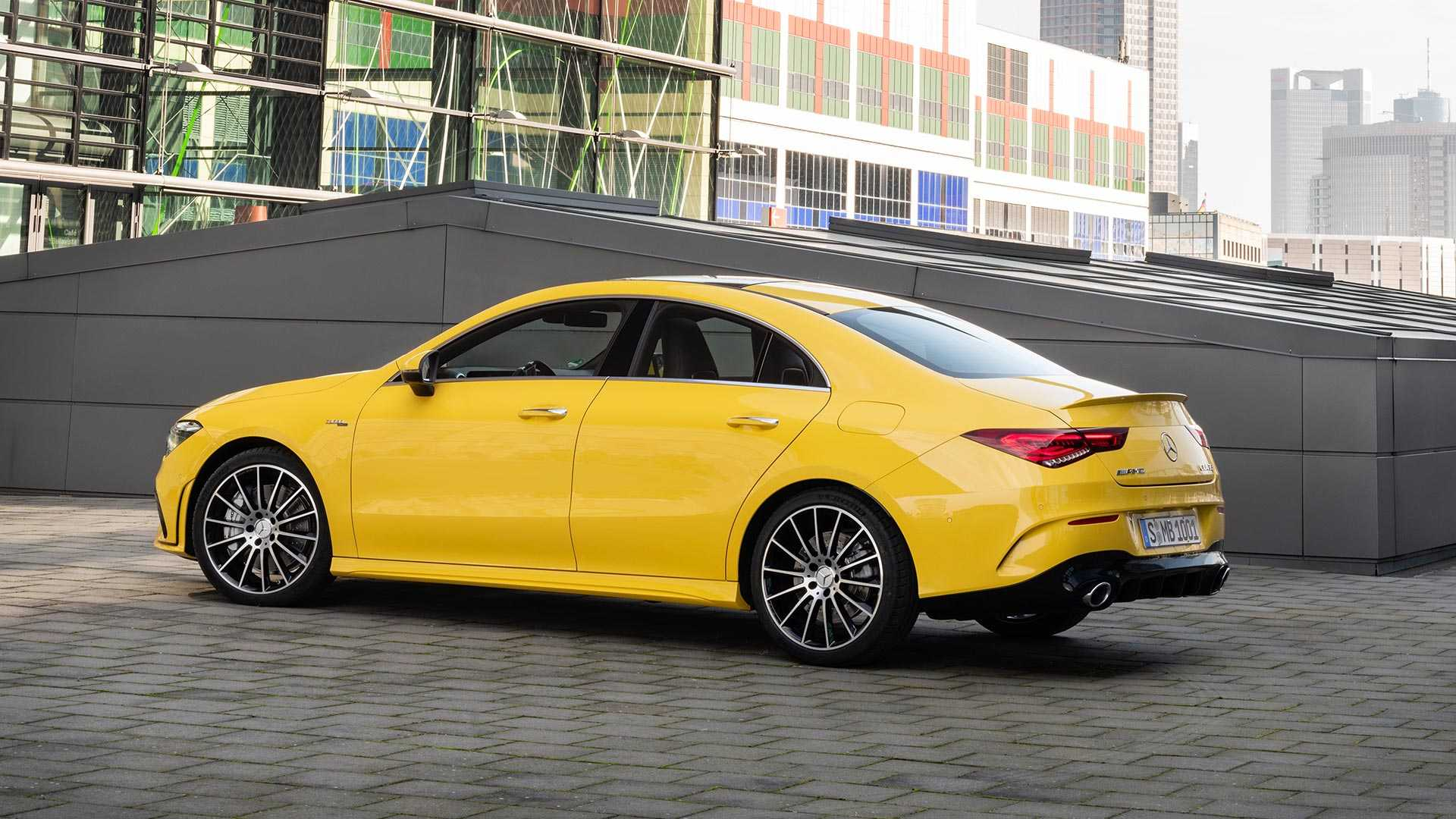 2020-mercedes-amg-cla-35-coupe (12)