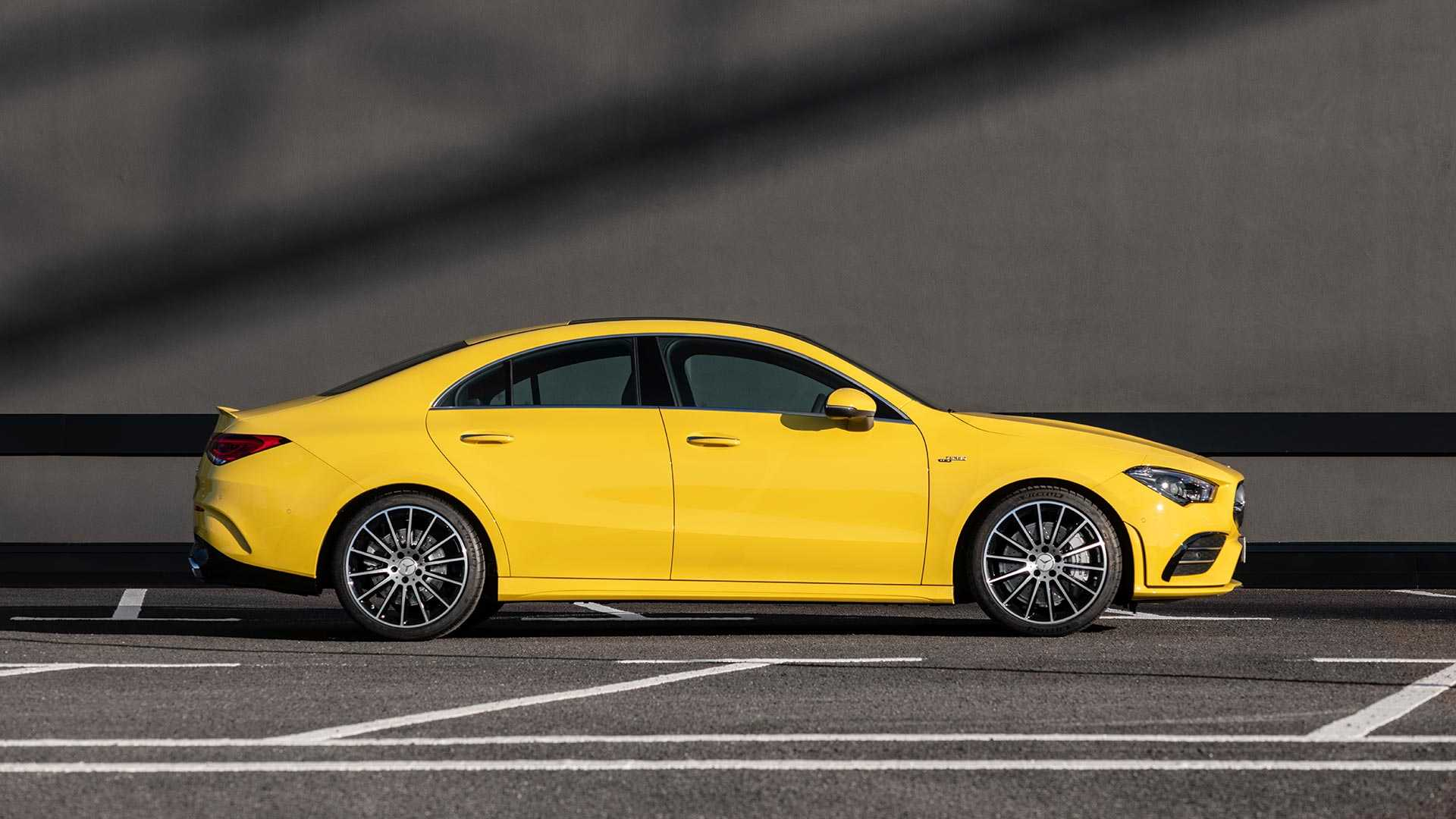 2020-mercedes-amg-cla-35-coupe (15)