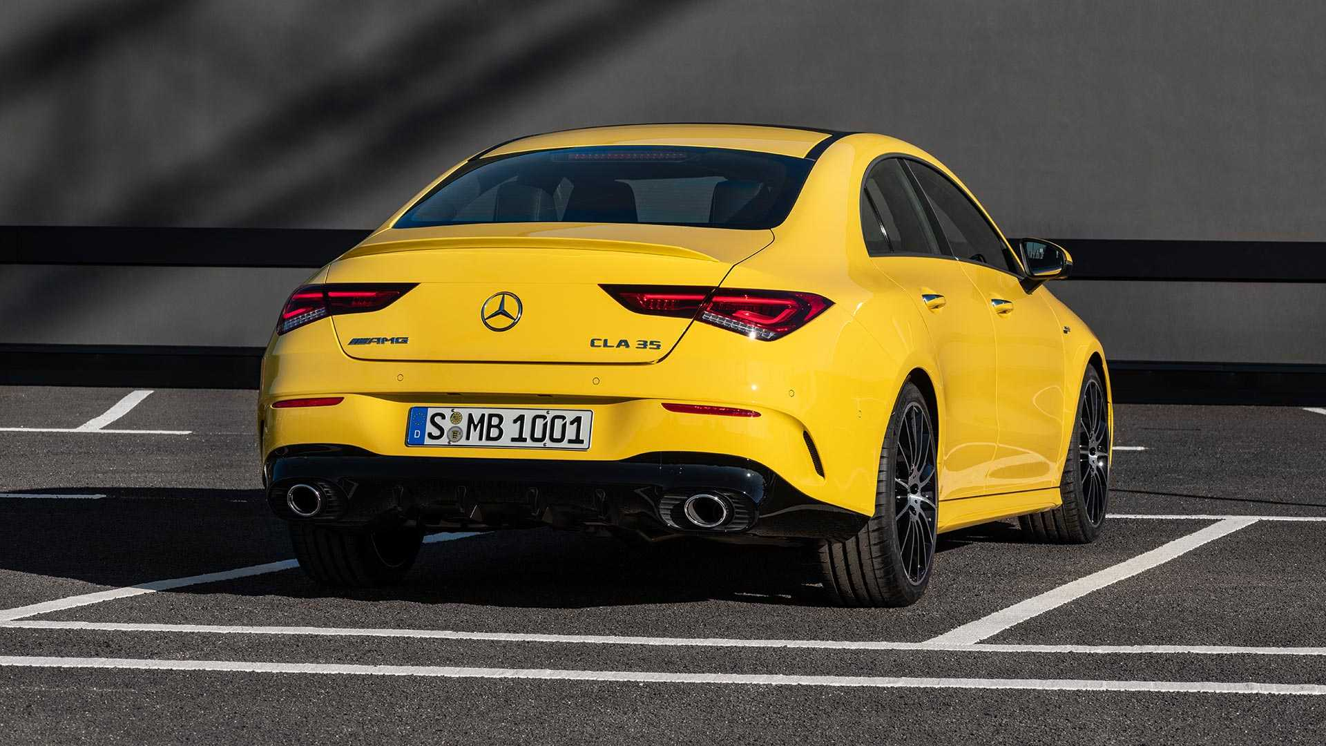 2020-mercedes-amg-cla-35-coupe (17)