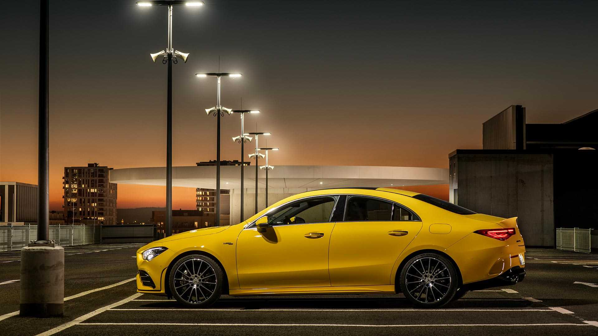 2020-mercedes-amg-cla-35-coupe (7)