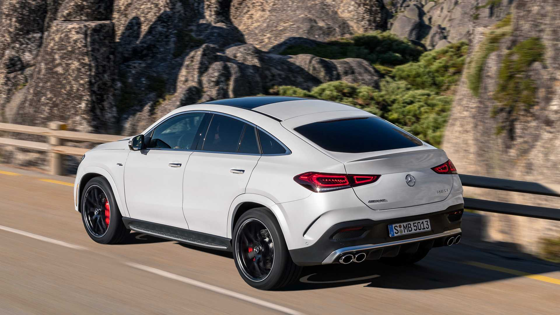 mercedes-amg-gle-53-coupe-2019-1