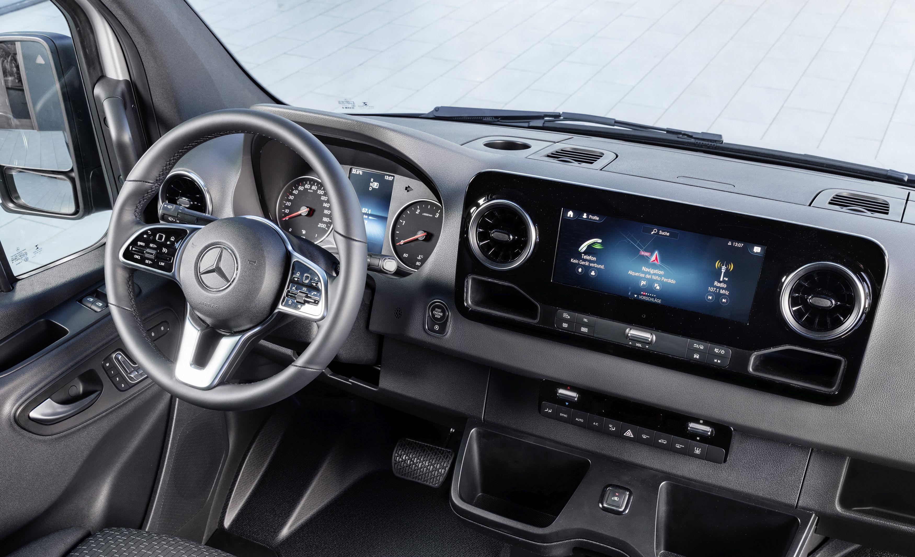 Mercedes-Benz Sprinter – Interieur   Mercedes-Benz Sprinter – Interior