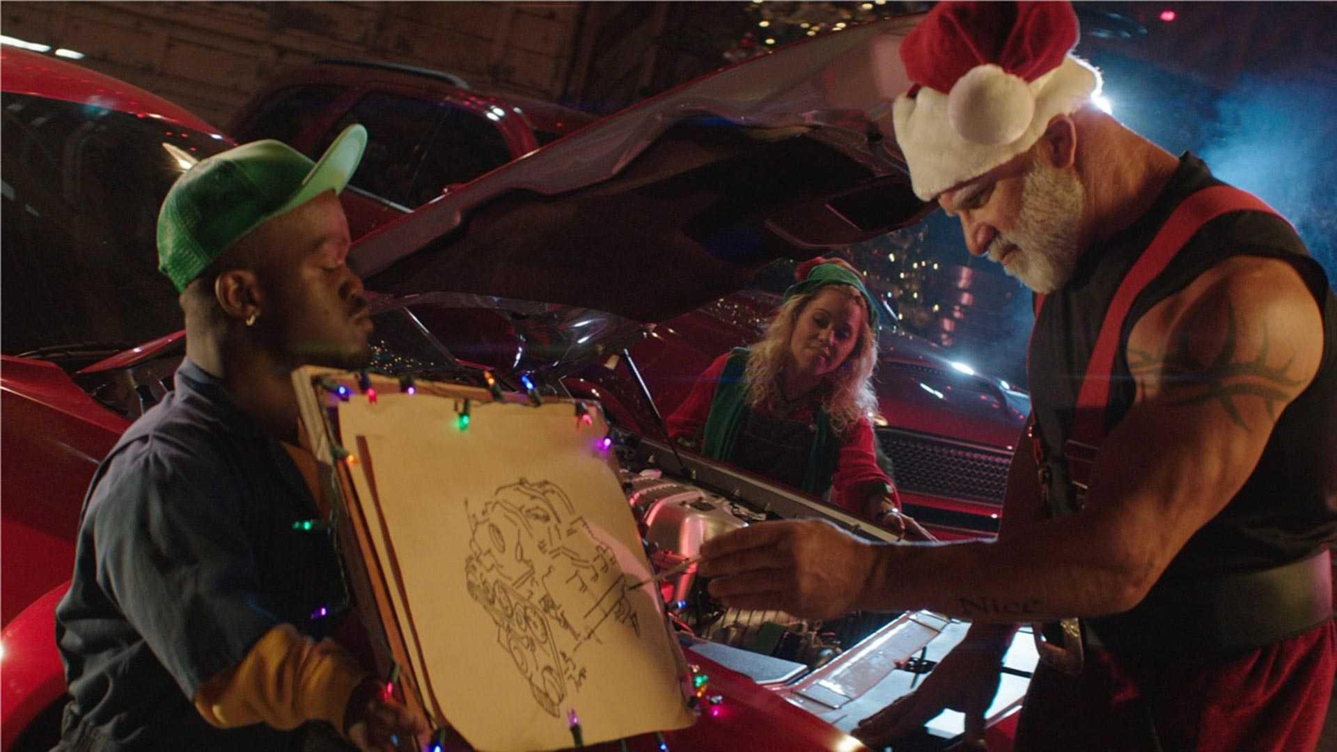 dodge-challenger-santa-sleigh (2)