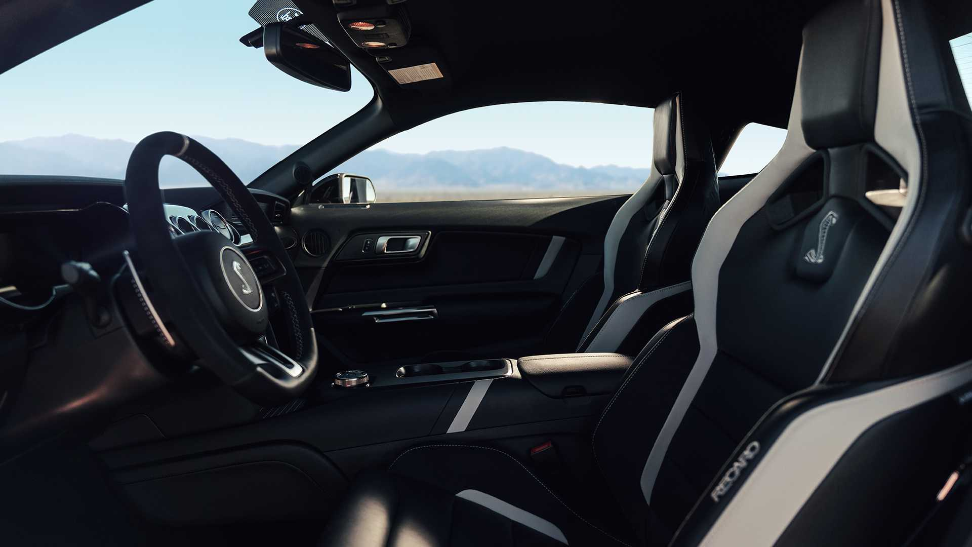2020-ford-shelby-gt500 (19)